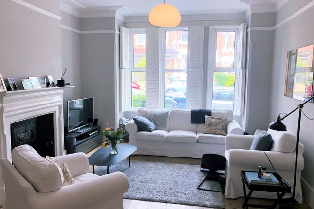 Thumbnail Property to rent in Elfindale Road, Herne Hill, London