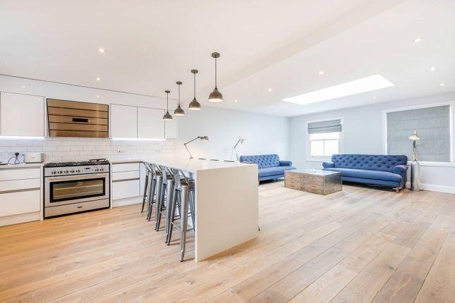 Thumbnail Flat to rent in Caxton Road, Shepherd's Bush