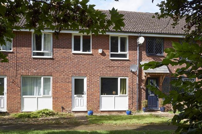 3 bed terraced house for sale in Sussex Drive, Banbury, Oxon