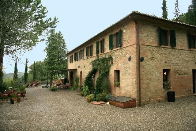 5 bed property for sale in Charming Country Retreat, Crete Senesi, Tuscany, Siena, Italy