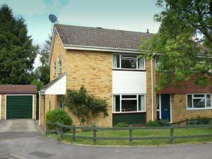 3 bedroom semi-detached house for sale in Amberley Close, Newbury, Berkshire