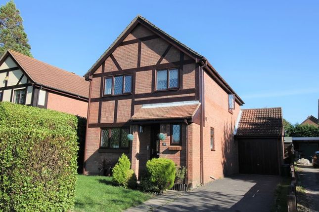 Thumbnail Detached house for sale in Abshot Road, Fareham