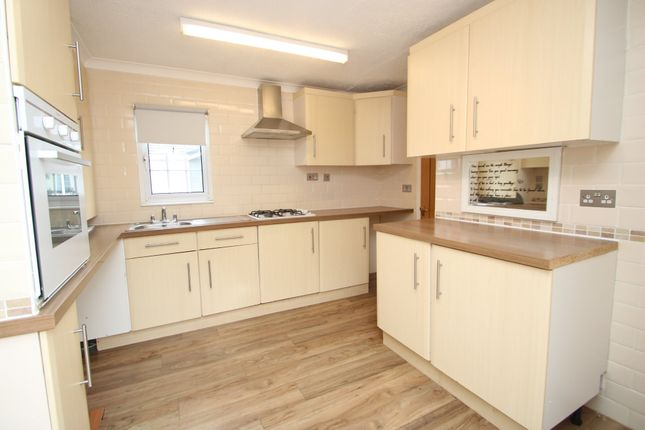 Thumbnail Mobile/park home for sale in Hockley Park, Lower Road, Hockley