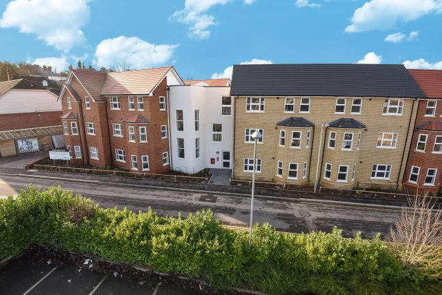 Thumbnail Flat for sale in Kensington Court, South Road, Luton