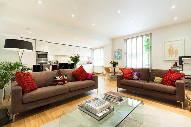 2 bed flat to rent in St Charles Square, London