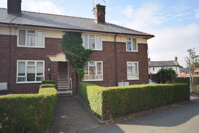 Russell Grove, Wrexham LL12