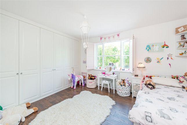 Bedroom of Thames Crescent, London W4