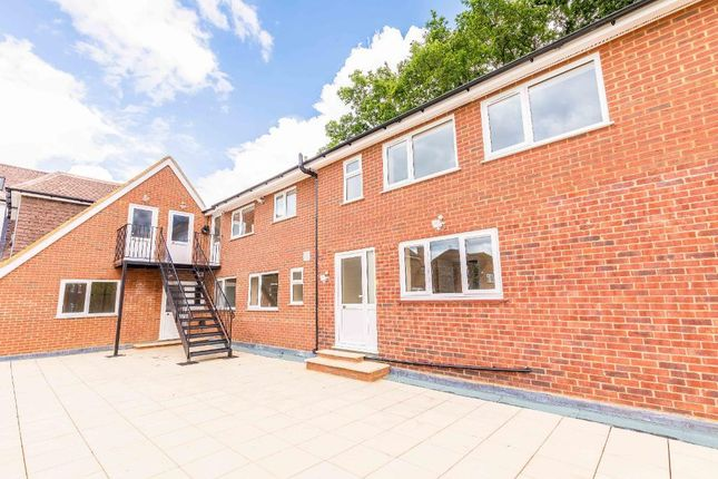 Thumbnail Flat to rent in Thornbridge Road, Iver