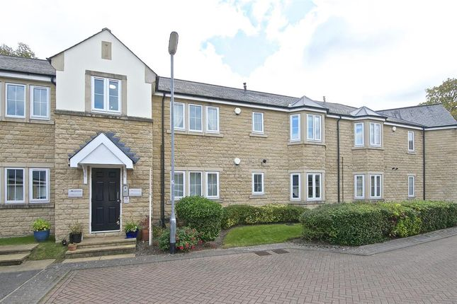 2 bed flat for sale in The Hollies, Pool In Wharfedale, Otley LS21
