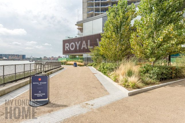 Thumbnail Flat for sale in Marco Polo, Mariners Quarter, Royal Wharf