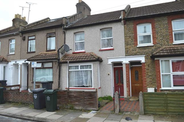 Thumbnail Property to rent in Anne Of Cleves Road, Dartford
