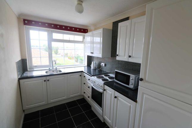 Flat to rent in Elvaston Way, Tilehurst, Reading