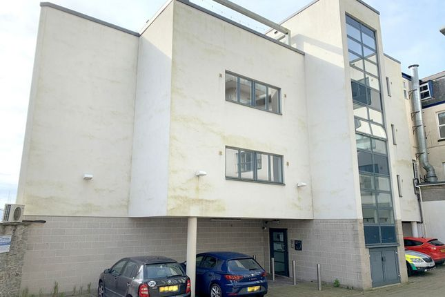 Flat to rent in North Street, Plymouth