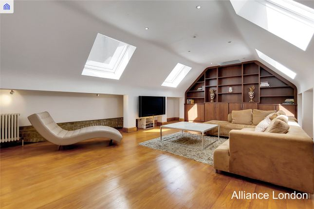 Thumbnail Detached house for sale in Narrow Street, London