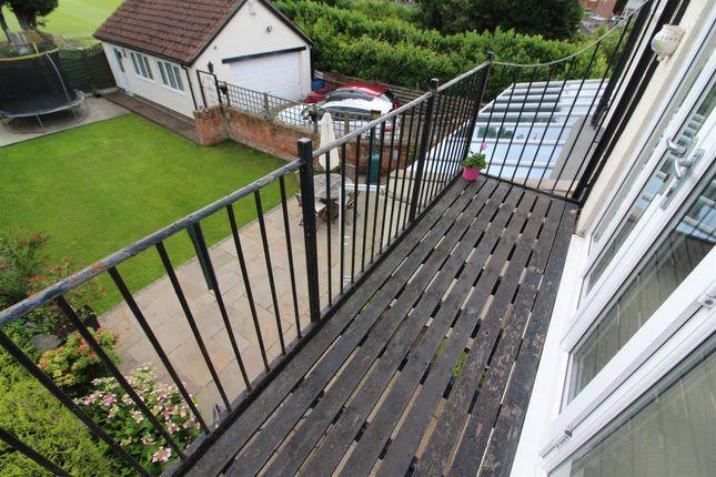 Balcony of Chanterlands Avenue, Hull HU5