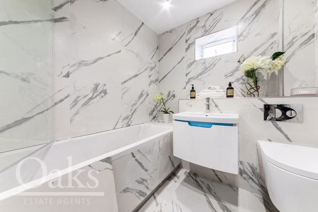 Bathroom of Ian Austin Mansions, Harewood Road, South Croydon CR2