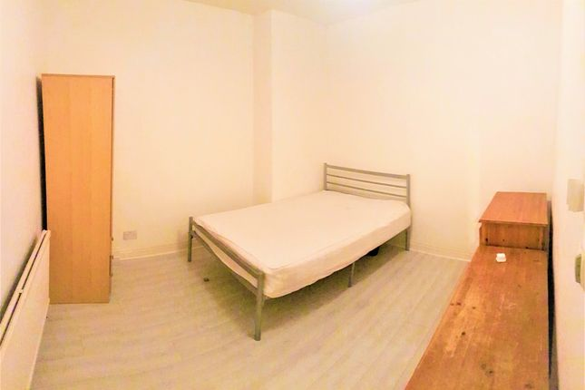 Thumbnail Property to rent in Wilmslow Road, Fallowfield, Manchester