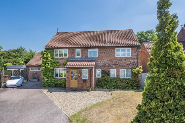 Thumbnail Detached house for sale in Lister Road, Hadleigh