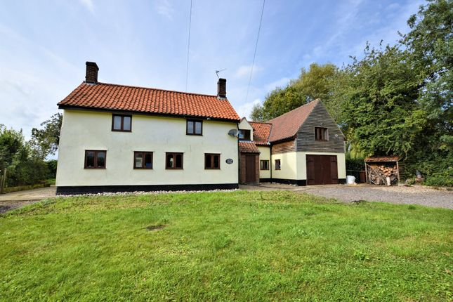 Thumbnail Detached house to rent in Poplar Road, Attleborough