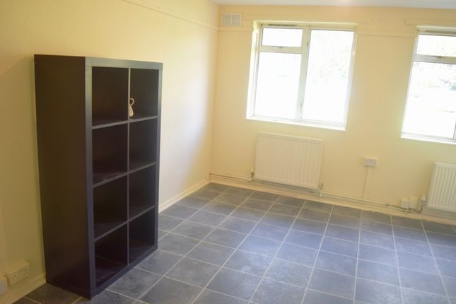 Thumbnail Flat to rent in Gower House, Barra Hall Circus, Hayes