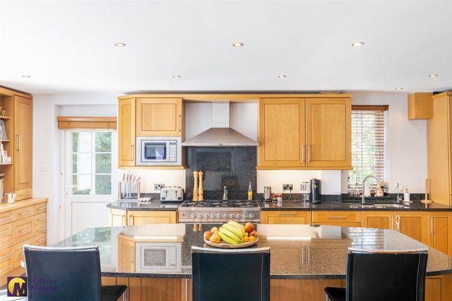 Superb Kitchen / Breakfast Room