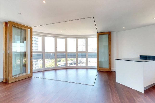 Thumbnail Property to rent in Gateway Tower, London