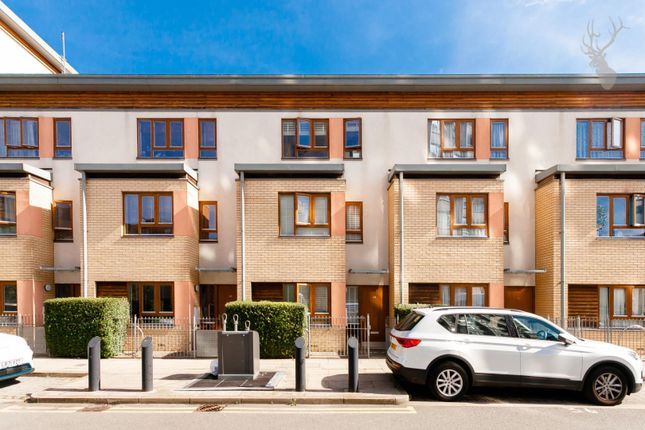 Thumbnail Property for sale in Rainhill Way, London