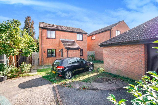 Thumbnail Detached house for sale in Hainault Avenue, Giffard Park, Milton Keynes