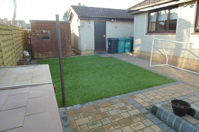 3 bed bungalow for sale in Regal Grove, Shotts ML7 - Zoopla