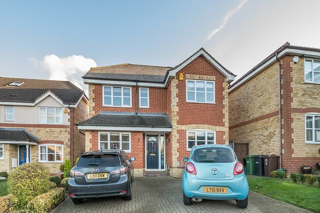 Thumbnail Property to rent in Otterton Close, Harpenden