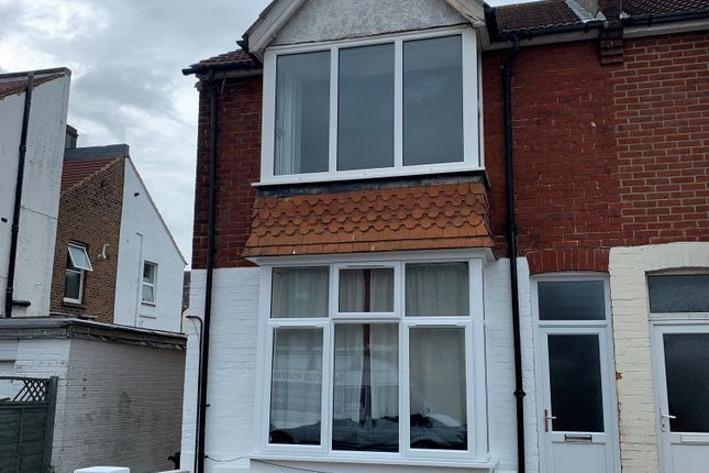 1 bed flat to rent in Avondale Road, Eastbourne BN22