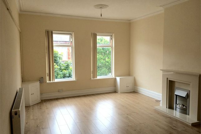 Thumbnail Flat to rent in St Johns Road, Waterloo, Liverpool, Merseyside