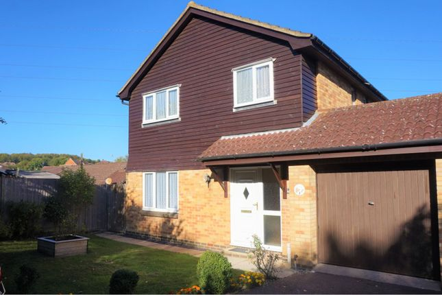 Thumbnail Detached house for sale in Paddock Road, Ashford