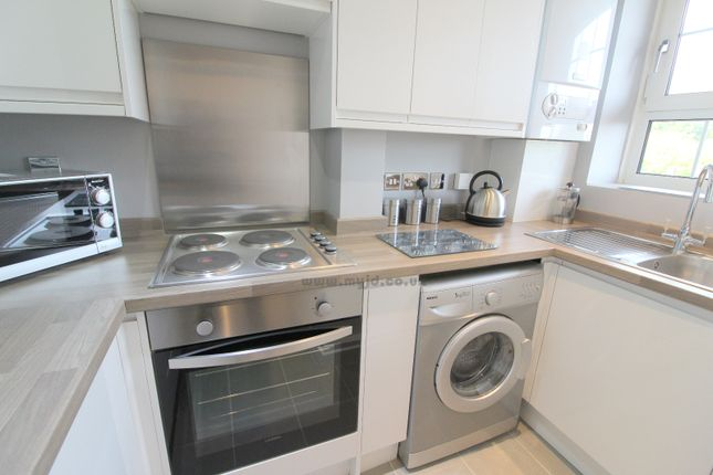 Flat to rent in Heston House, Deptford