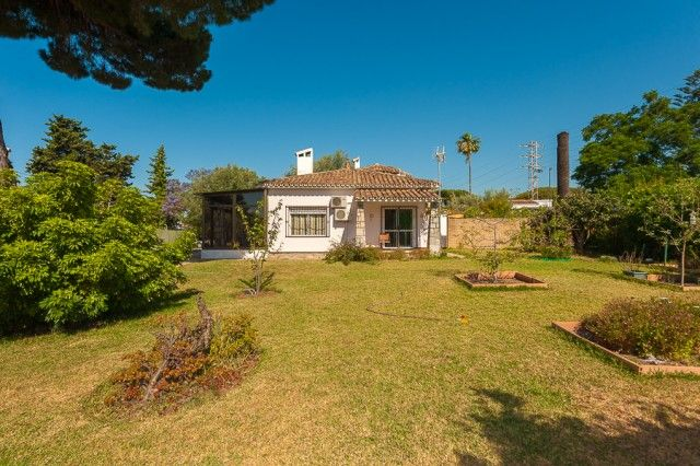 4 bed villa for sale in Spain, Málaga, Marbella, Marbella East