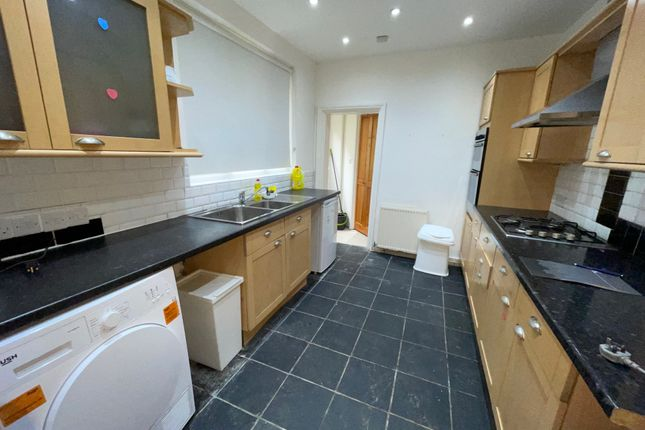 Thumbnail Terraced house to rent in Mitchley Road, Tottenham Hale