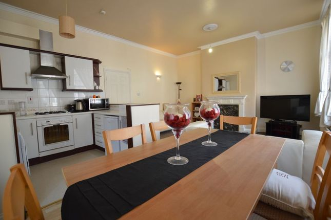 Thumbnail Flat to rent in Alexandra Road, Stoneygate