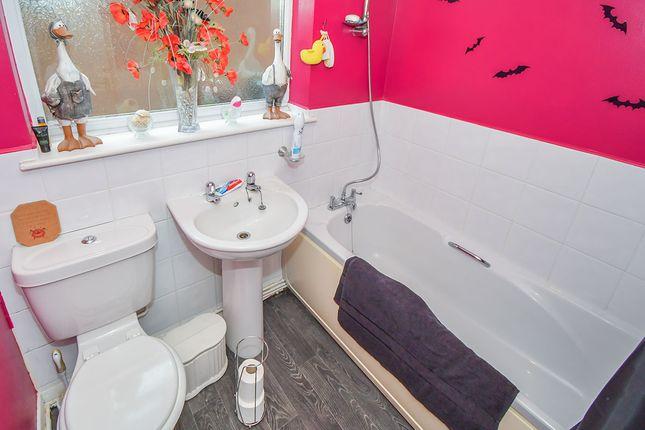 Bathroom of Aldergrove Crescent, Lincoln, Lincolnshire LN6