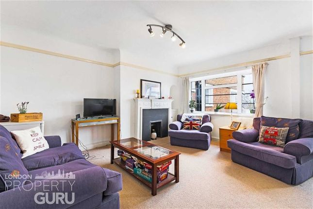 Flat to rent in Wimbledon Hill Road, London