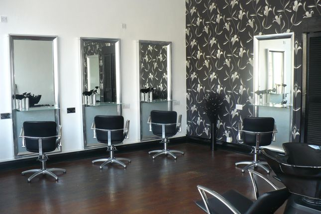 Photo 0 of Hair Salons HX5, West Yorkshire