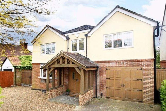 5 bed detached house to rent in Fairfield Road, Epping
