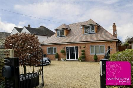 Thumbnail Detached house for sale in Chelveston Road, Raunds, Northamptonshire