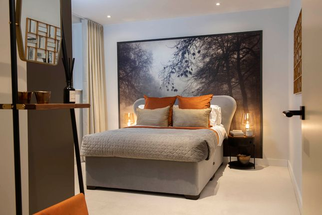 3 bed flat for sale in Crimscott Street, London SE1