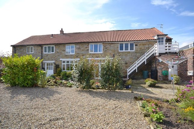 Thumbnail Cottage for sale in Scalby Road, Newby Farm, Scarborough