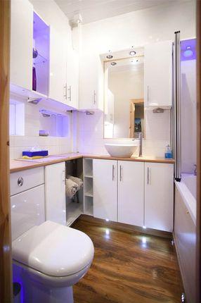 Bathroom 2 of High Street, Lochwinnoch, Renfrewshire PA12