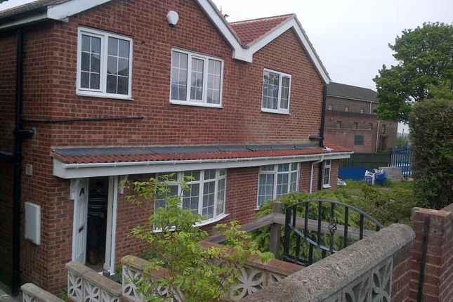 Thumbnail Detached house to rent in Green Hill Road, Bramley, Leeds