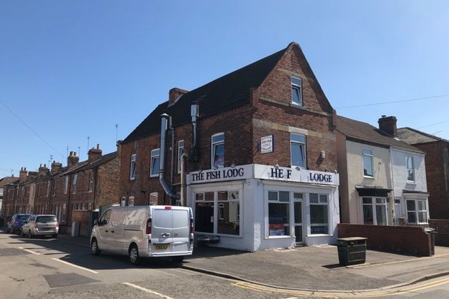 Thumbnail Retail premises to let in Ropery Road, Gainsborough, Lincolnshire