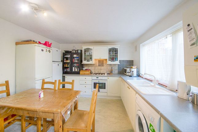 Thumbnail Terraced house for sale in Howards Road, London