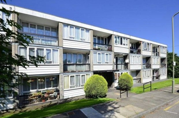 Thumbnail Flat for sale in Ashbourne Close, London