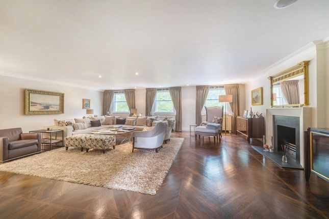 Thumbnail Flat for sale in Eaton Square, London